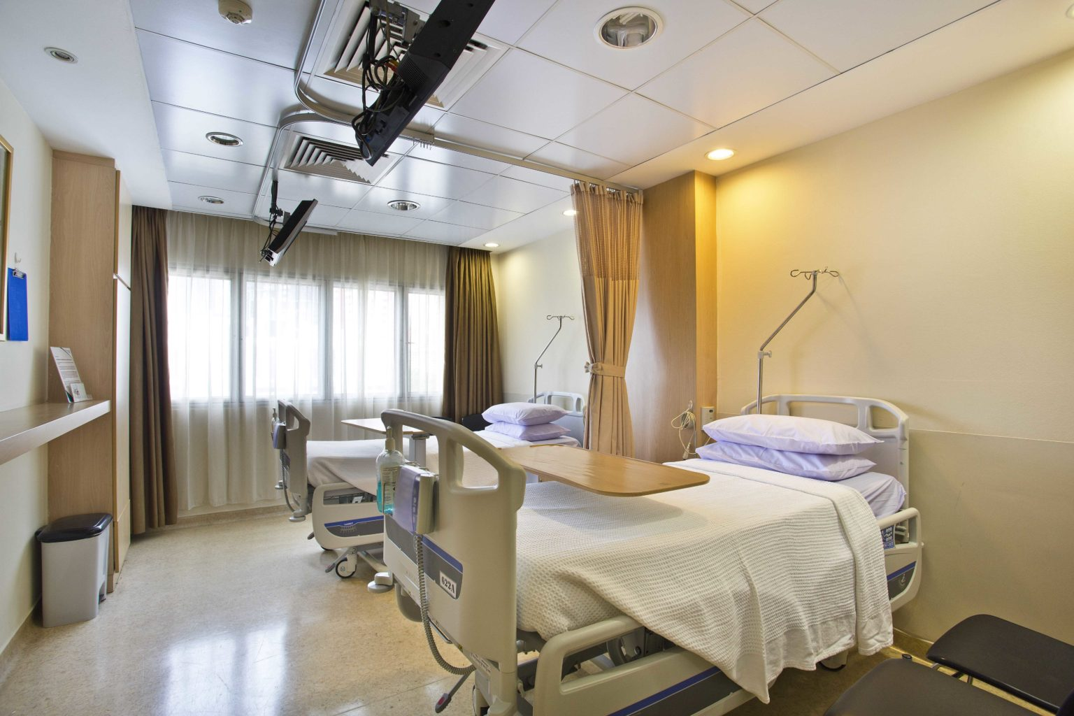 Two Bedded Room Thomson Medical